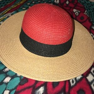 NWT Hagid floppy sun hat